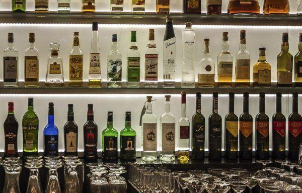 Ap. y almacenaje de alimentos y bebidas en el bar (30h)