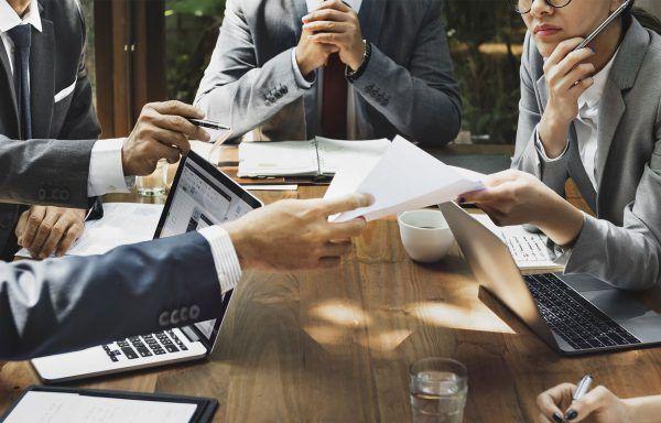 Dirección y estrategias de la actividad e intermediación comercial (60h)