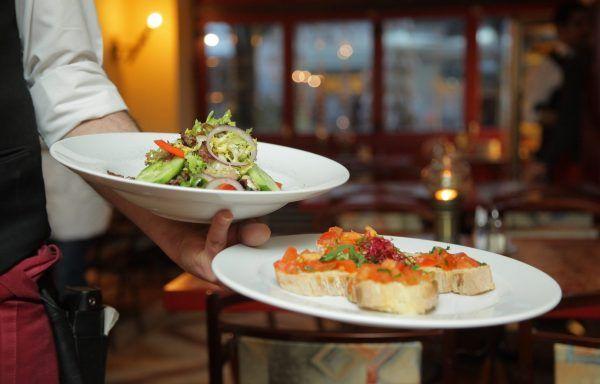 Elaboración y acabado de platos a la vista del cliente (50h)