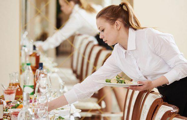 Dotación básica del restaurante y asistencia en el preservicio (30h)