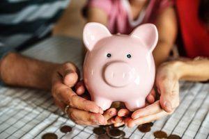 hucha para ahorrar con salario en un contrato de formación