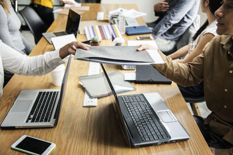 imagen aprendices y contratos de formación